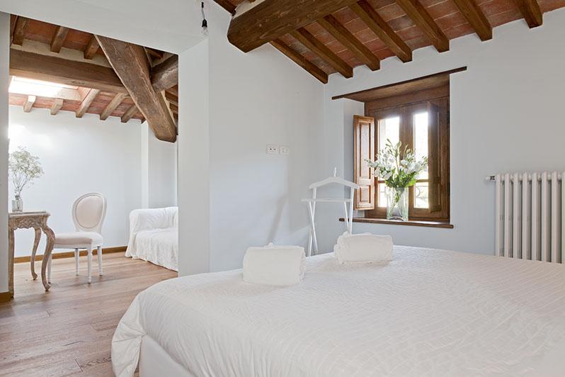 https://travelling-in-umbria.com/wp-content/uploads/2020/06/Sostadel-pellegrino-pietrasanta-bagno-Francesca.jpg